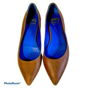 Roots brown flats size 38 pointed toe shoe